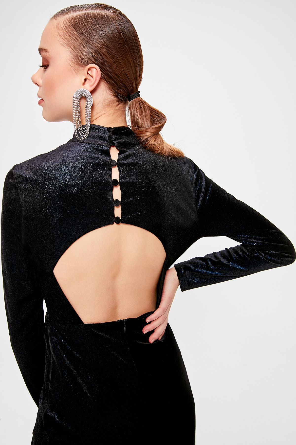 Trendyol Back Low-Cut Dress TPRAW20EL1422