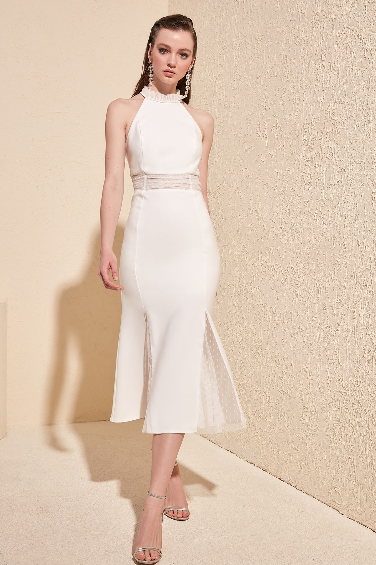 Kadın Giyim'ten Elbiseler'de Trendyol Aksesuar Detaylı Elbise TPRSS20EL1204 title=