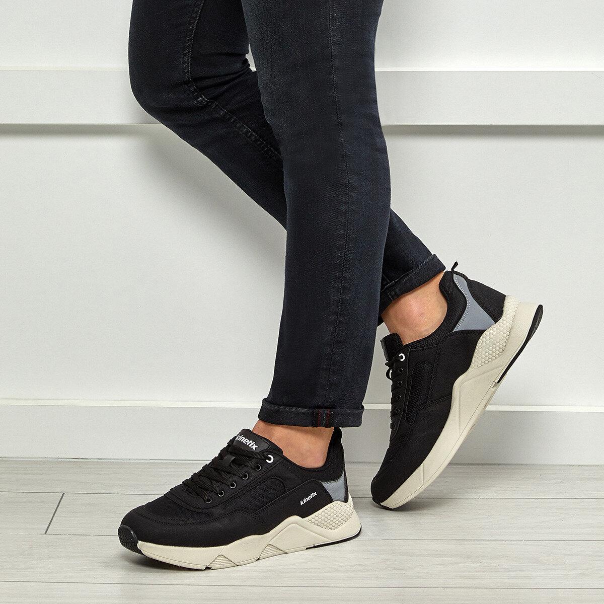 FLO LAVERY Black Male Sports Shoes KINETIX