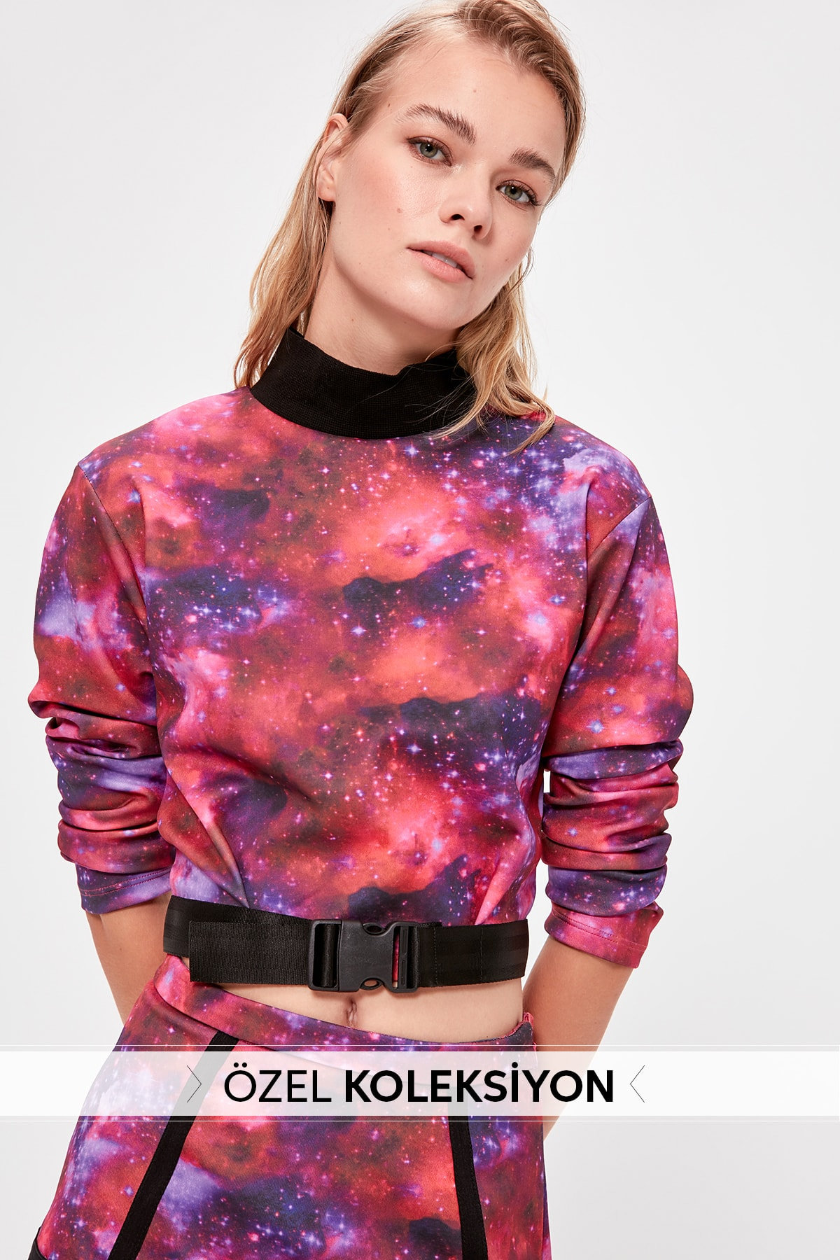 Trendyol Multicolour Submersible Fabric Arched Crop Knitted Sweatshirt TWOAW20SW0341