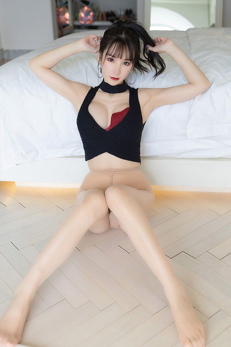 网红美女周于希性感美腿白丝诱惑翘臀诱惑写真集46P