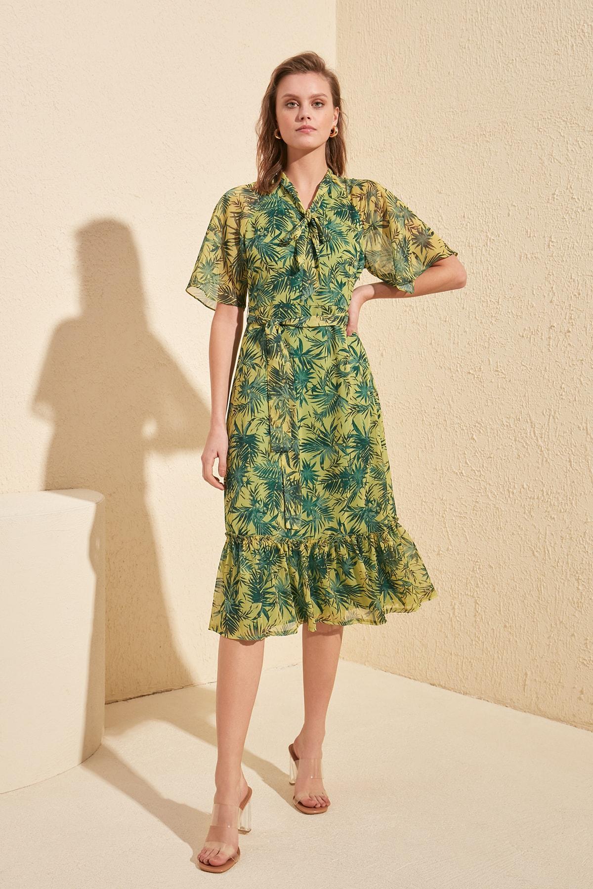 Trendyol Belted Scarf Collar Dress TWOSS20EL0560
