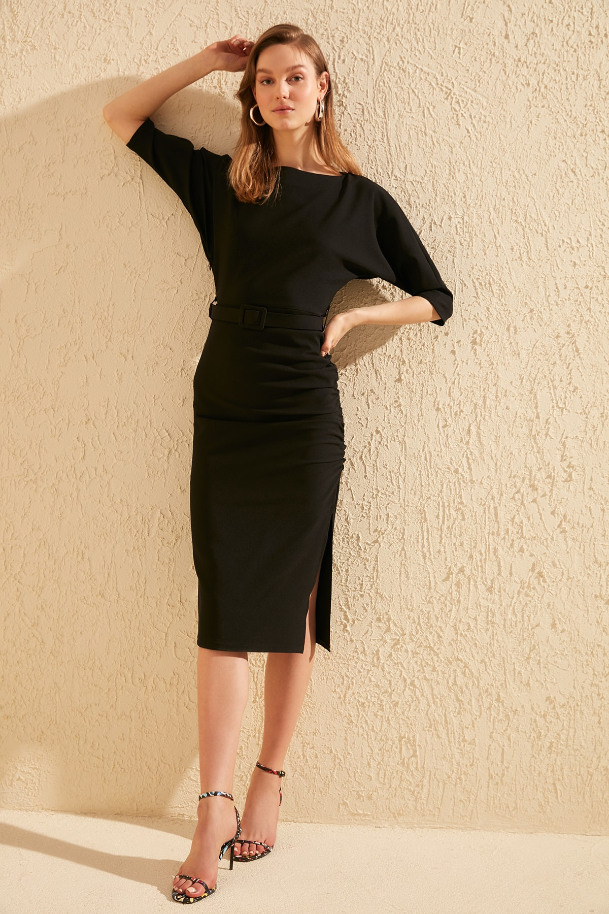 Trendyol Arched Dress TWOSS20EL0420