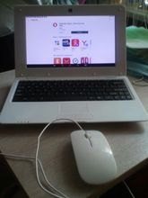Excellent netbook, works, came with a 98% battery charge, there are Russian letters on the