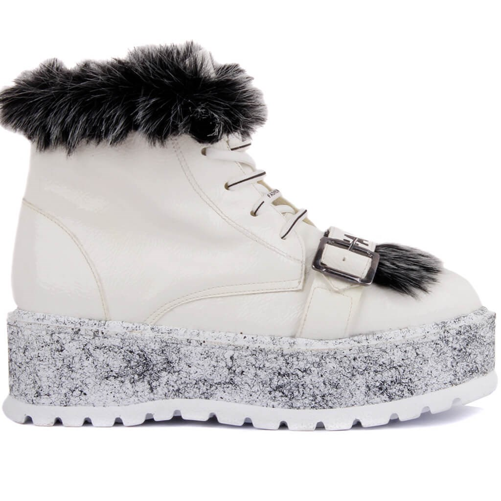 Moxee-White Laced High Base Furry Women Boots