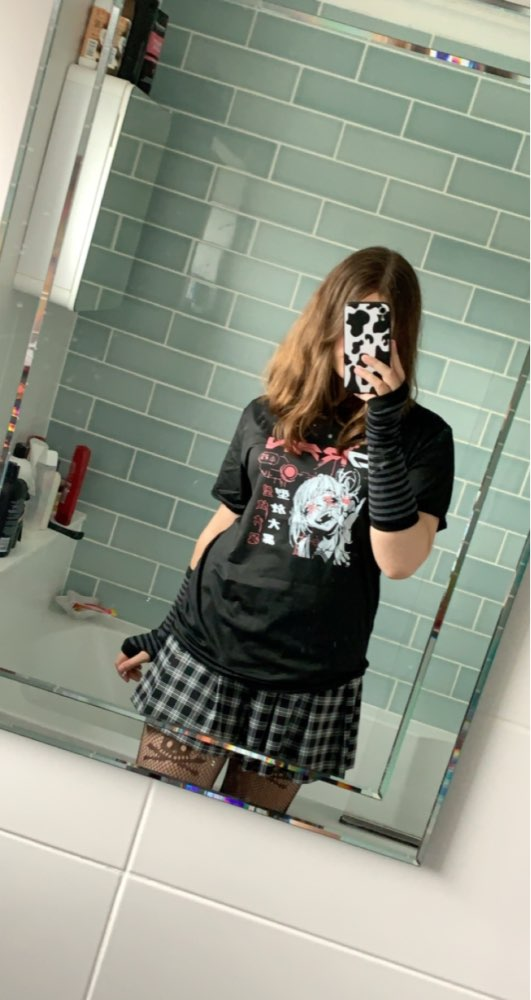 Harajuku Gothic T-shirt with anime print photo review