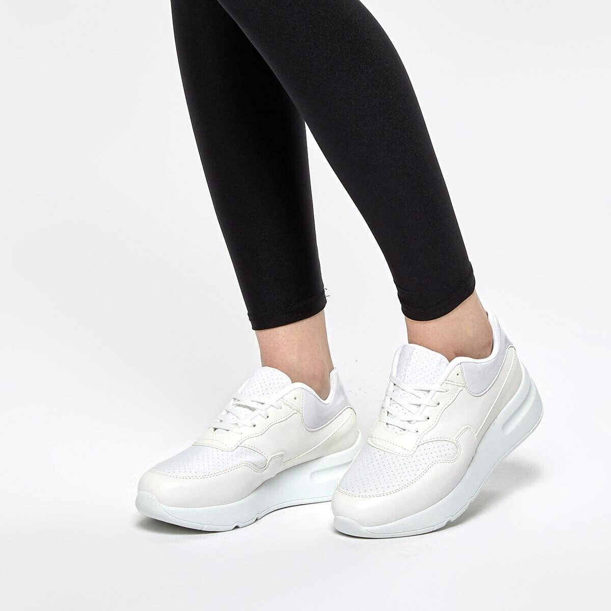 FLO GAİ01Z White Women 'S Sneaker Shoes BUTIGO
