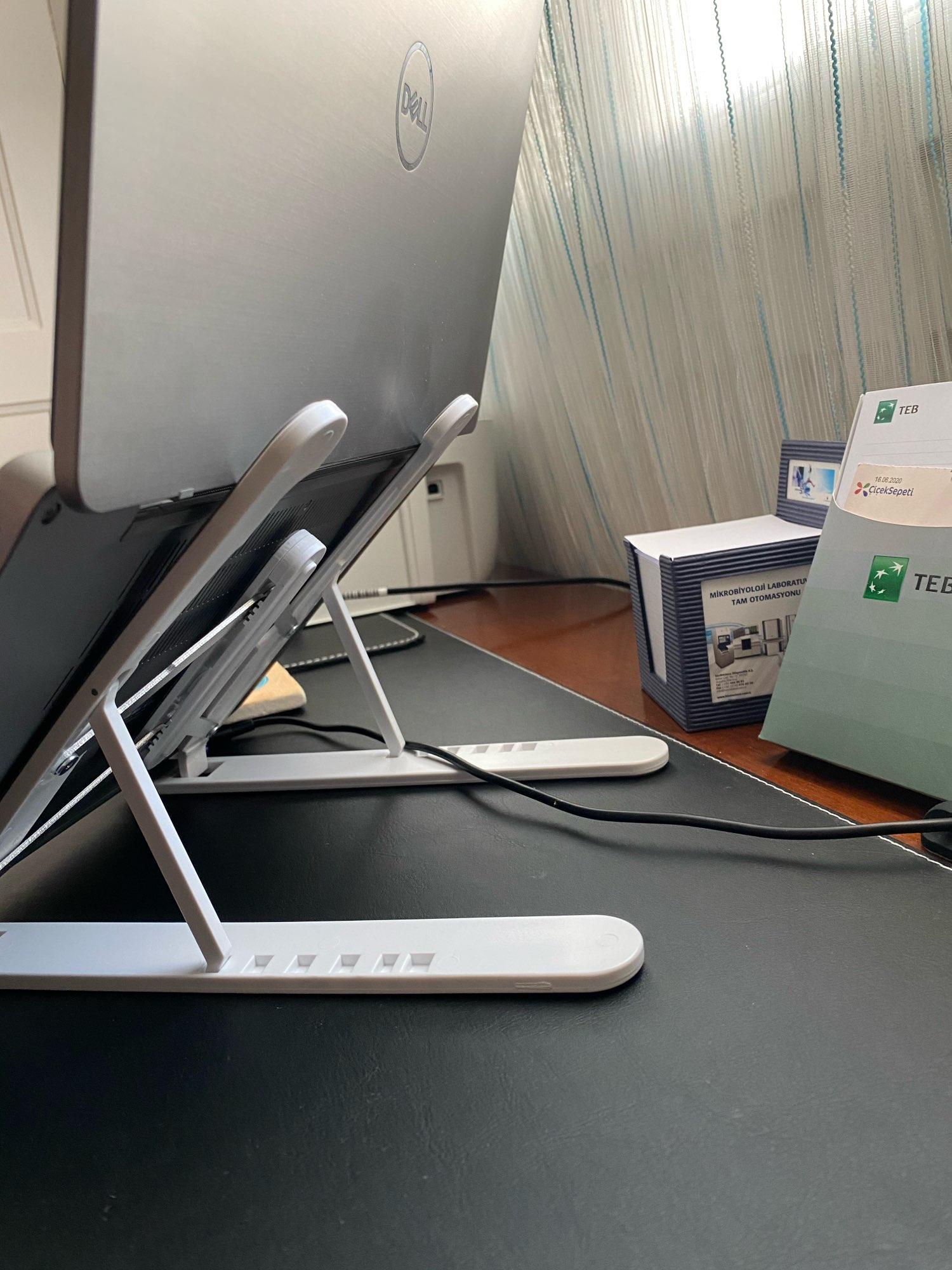 Folding Laptop Stand with Adjustable Angle photo review