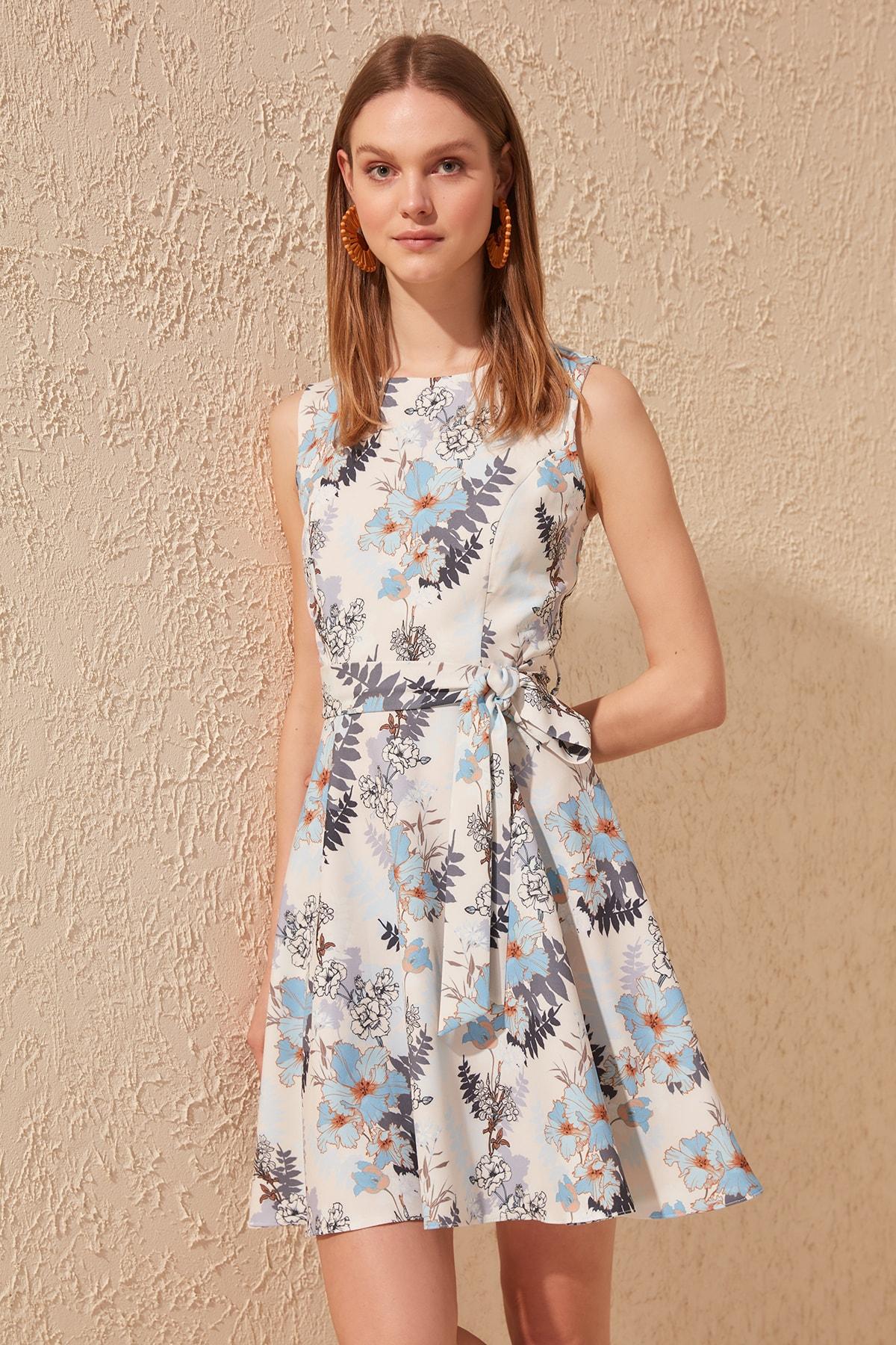 Trendyol Belted Dress TWOSS20EL0750