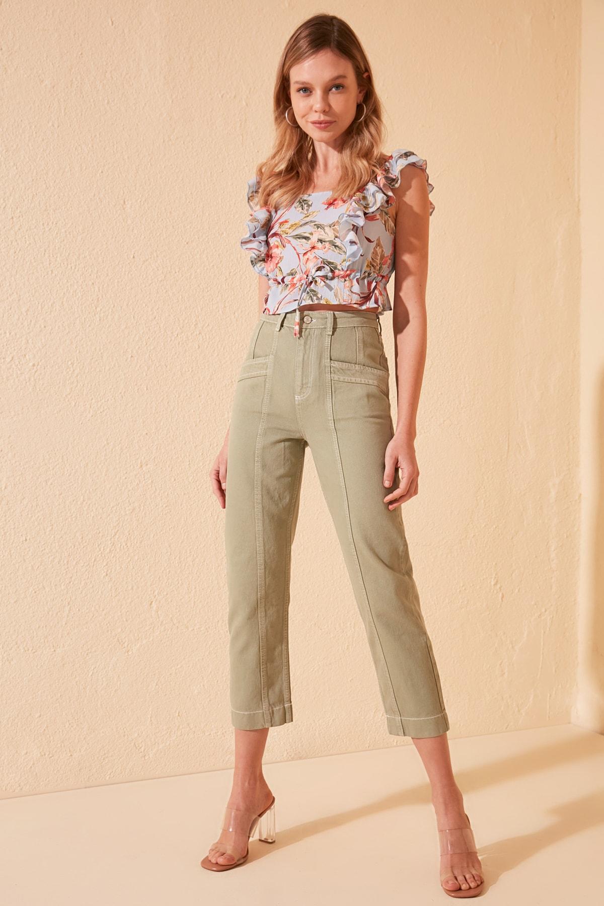 Trendyol Stitch Detail High Bel Mom Jeans TWOSS20JE0386