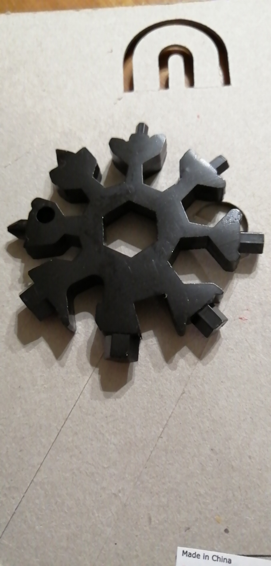 18-in-1 stainless steel snowflakes multi-tool - googstage photo review