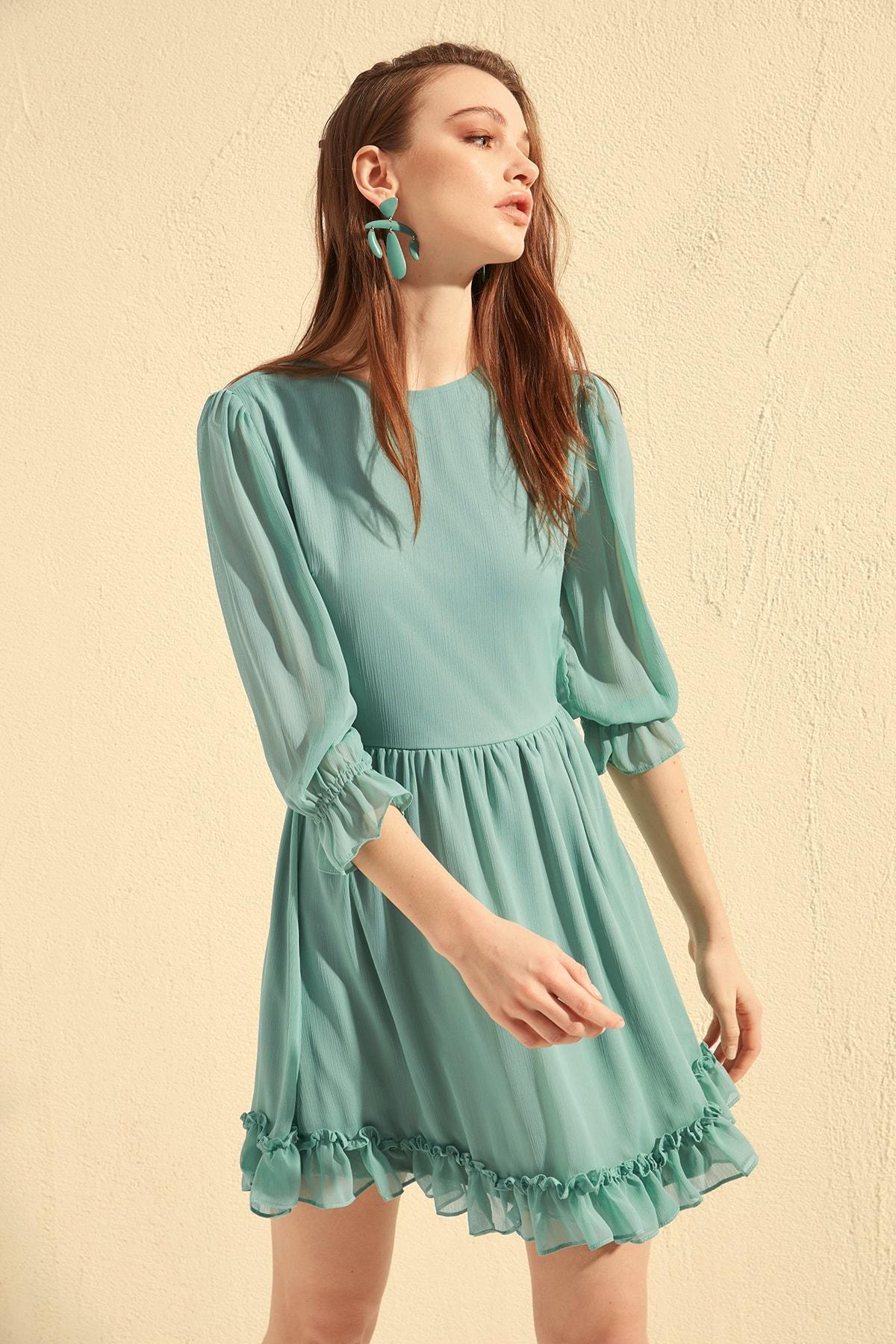 Trendyol Frilly Dress TWOSS20EL0380