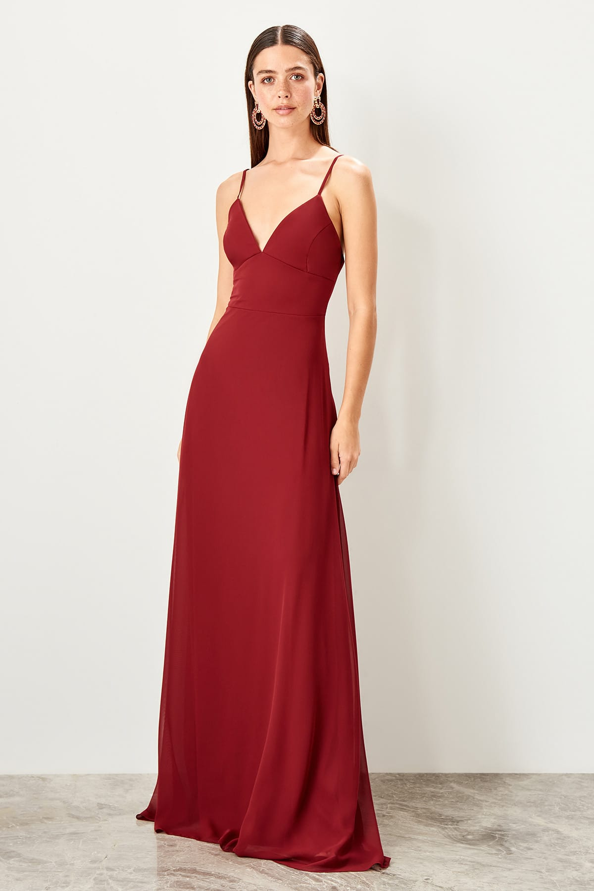 Trendyol Low-Cut Evening Dress TPRSS19FZ0392