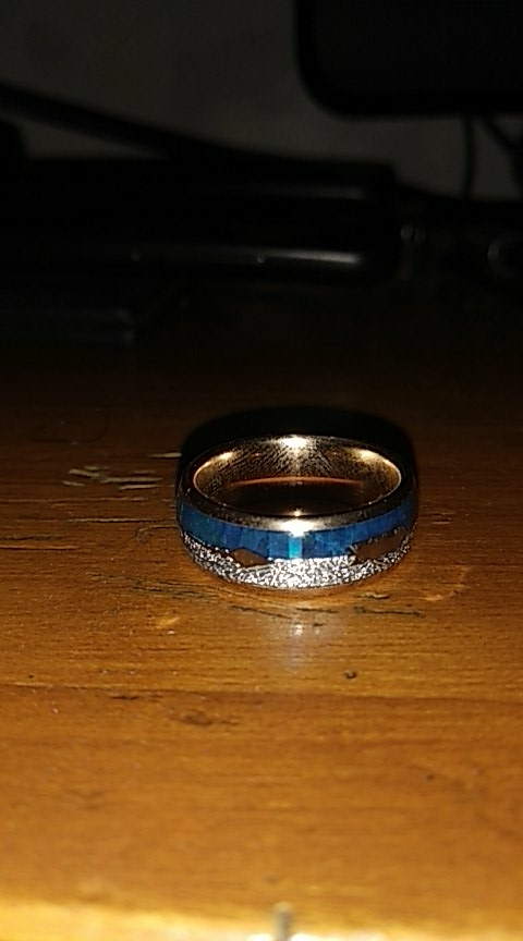 Bague météorite or rose fléche de vie incrustée de coquille bleu