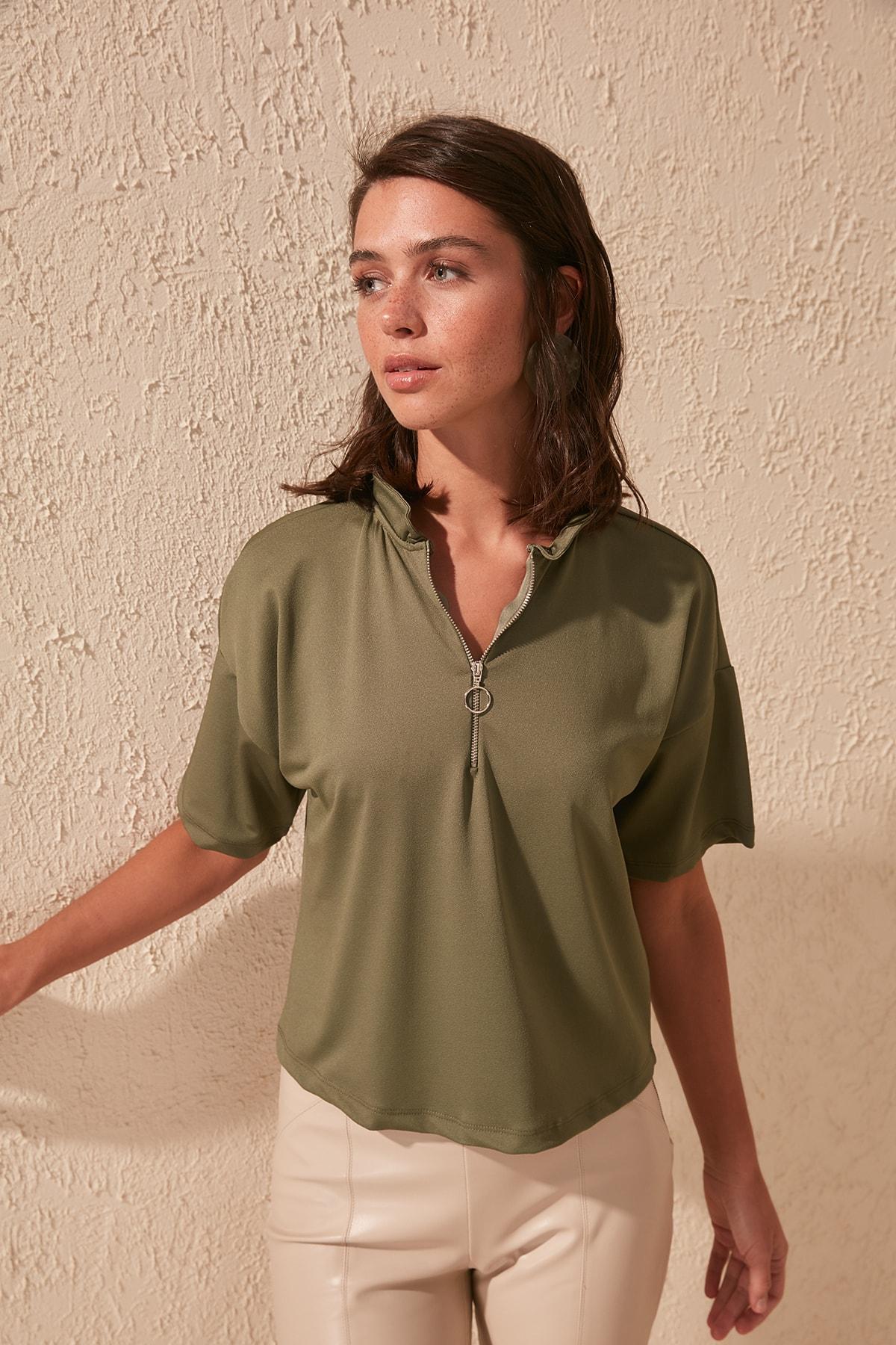 Trendyol Zipper Knitted Blouse TWOSS20BZ0458