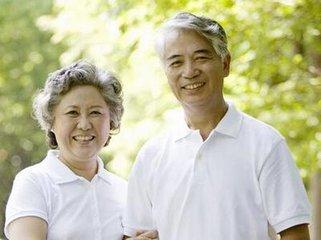 头发提前变白中老年人应该如何预防-养生法典