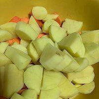 土豆胡萝卜炖牛肉的做法图解3