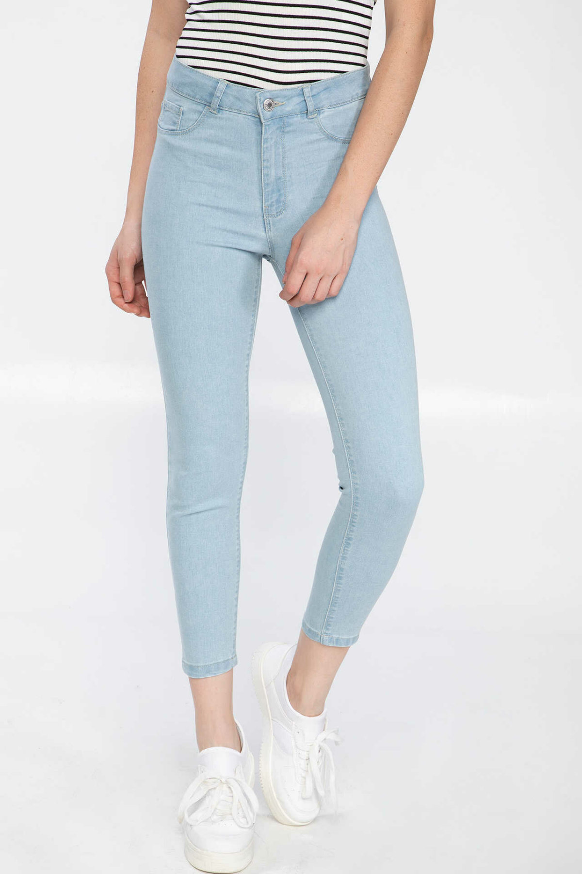 DeFacto Dark Blue Women Casual Denim Jeans Ankle-length Pencil Pants Fit Skinny Trousers J9127AZ19SPNM63-J9127AZ19SP
