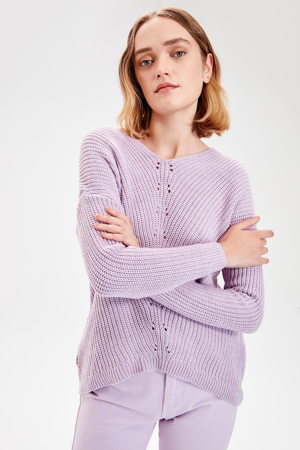 Trendyol Lilac V-Neck Knitwear Sweater TWOAW20KZ0533