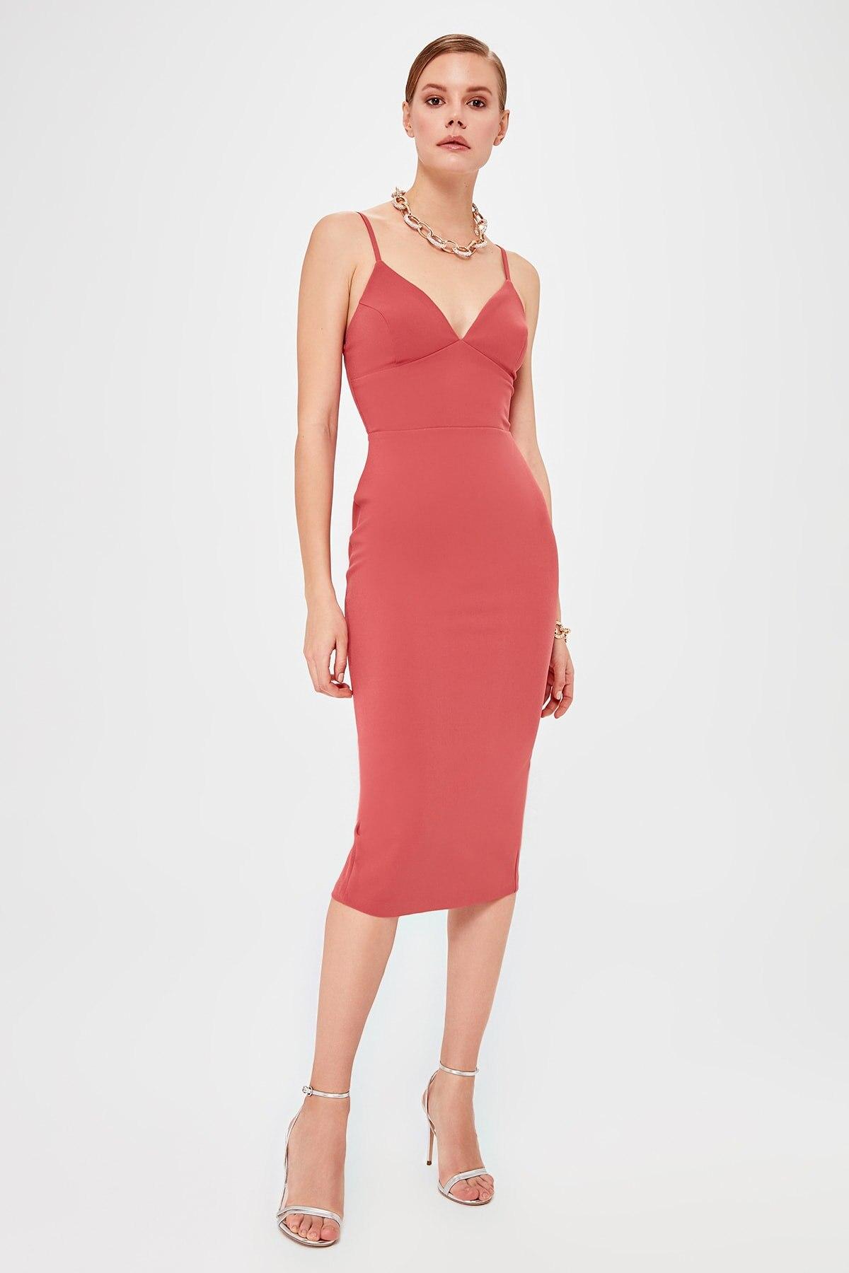 Trendyol Collar Low-Cut Dress TPRSS20EL0305