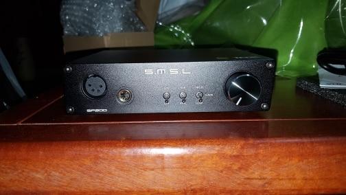 -- Amplificador Auscultadores Tecnologia