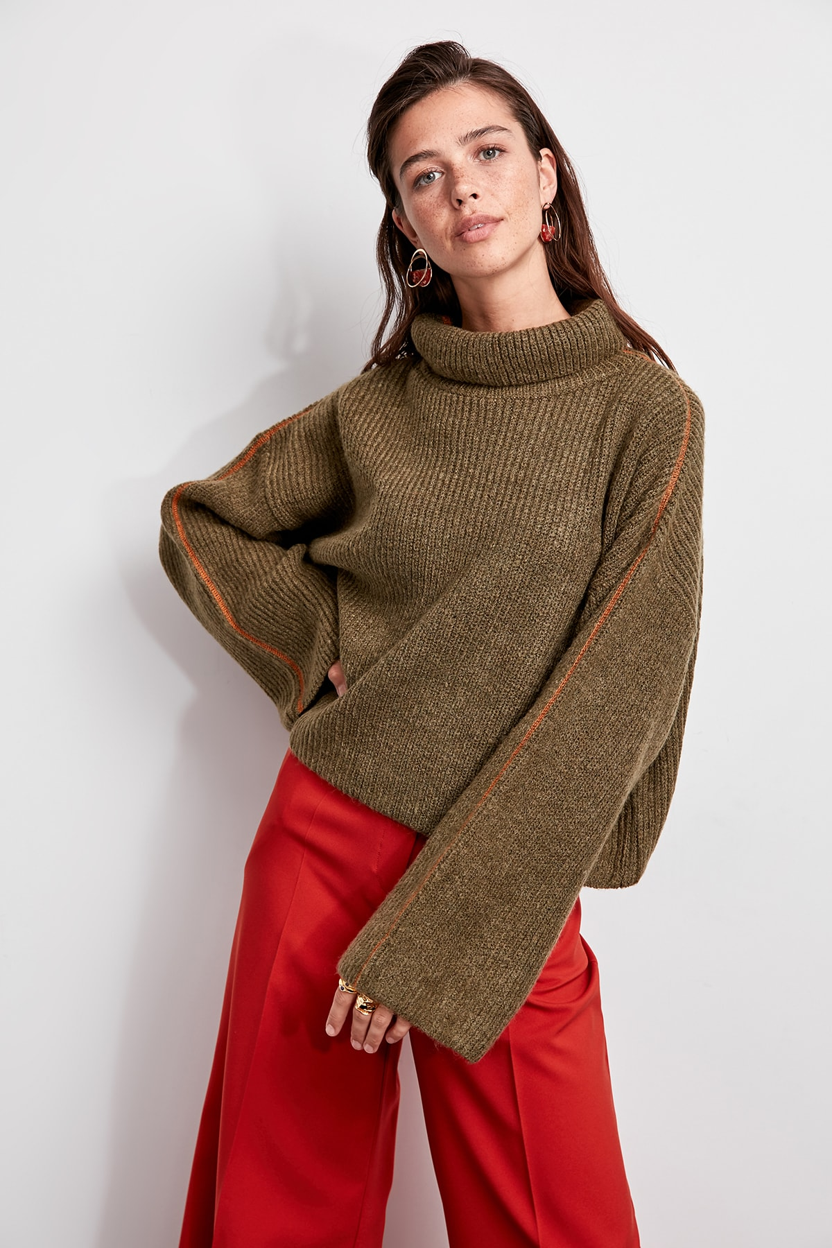 Trendyol WOMEN-Khaki-Throated Spreader Stitched Knitwear Sweater TWOAW20ZA0001