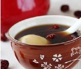 新鲜的益母鸡蛋汤做法 喝新鲜益母鸡蛋汤的好处-养生法典