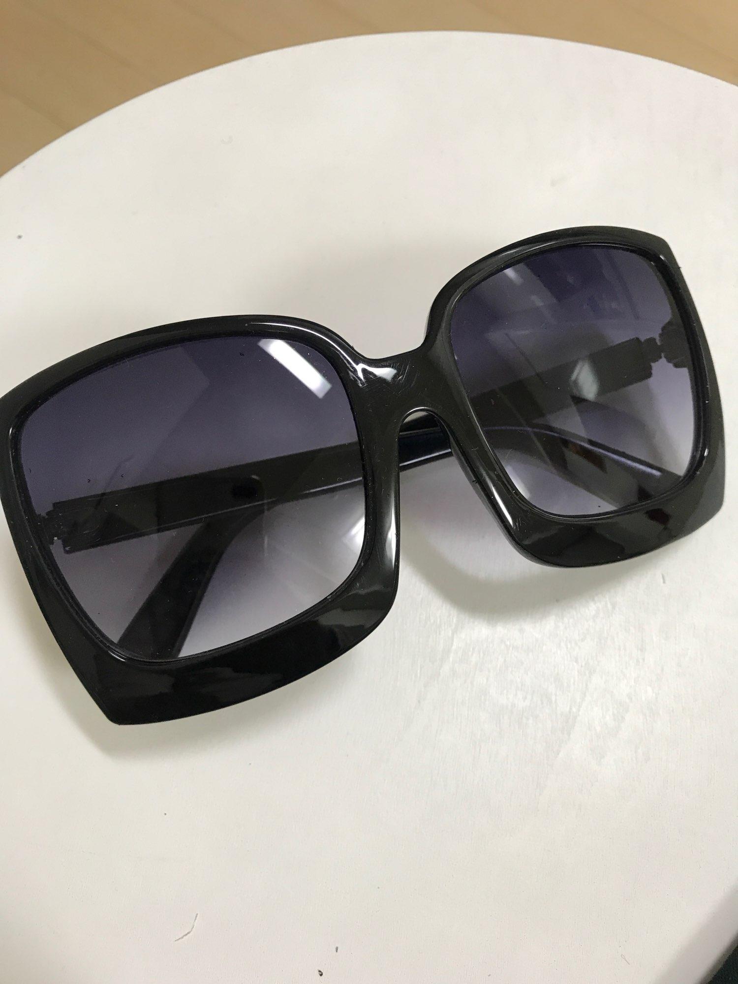 D&T New Fashion Oversized Women Sunglasses - Designer Brand Big Frame Gradient Sun Glasses UV400 photo review