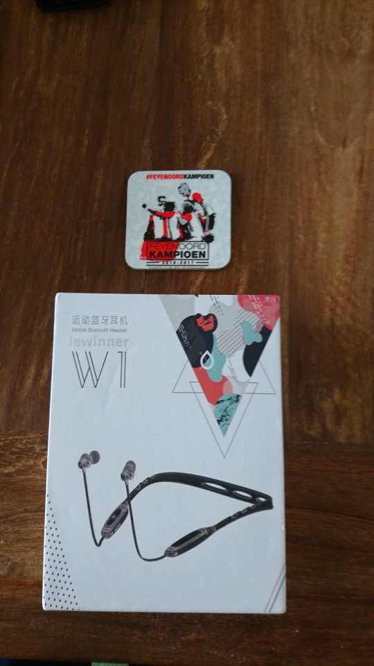 Lewinner W1 Neckband Bluetooth Earphone with Mic IPX5 Waterproof Sports Wireless Headphone Bluetooth for phone iPhone xiaomi-in Bluetooth Earphones & Headphones from Consumer Electronics on AliExpress