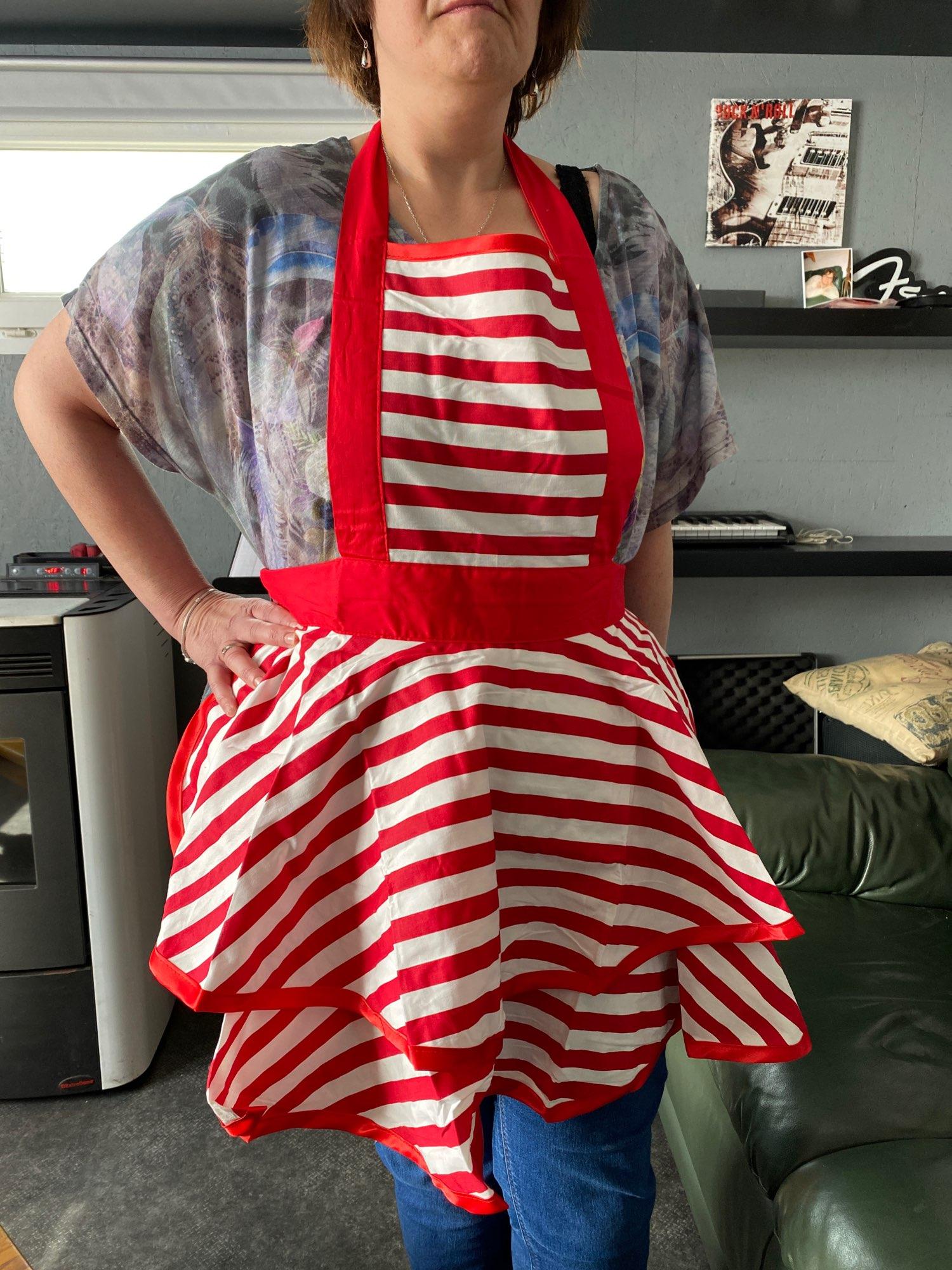 Retro Style Patterned Textile Apron photo review