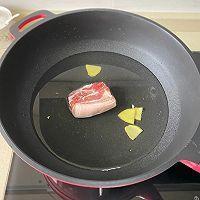 白菜五花肉炖粉条的做法图解1