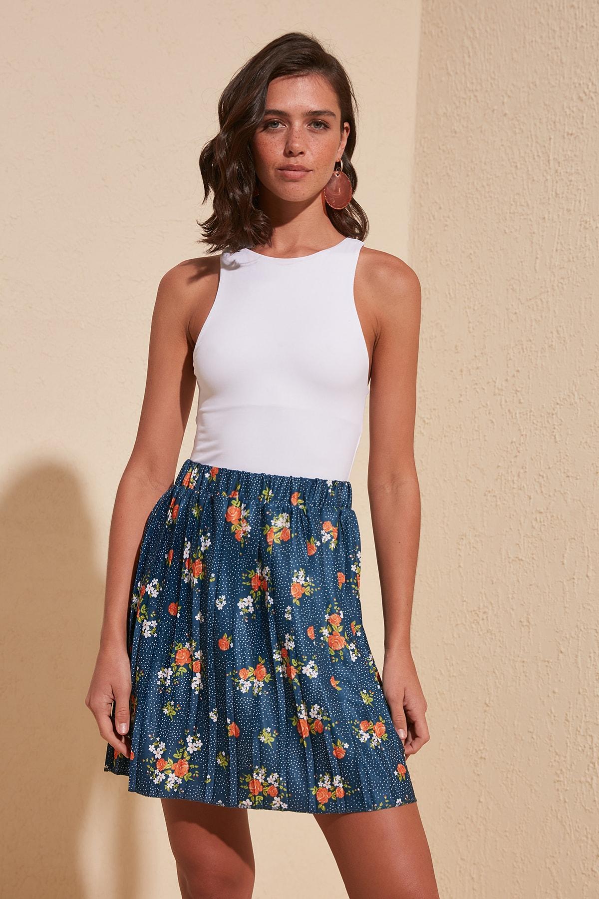 Trendyol Flower Patterned Knitted Skirt TWOSS20ET0312