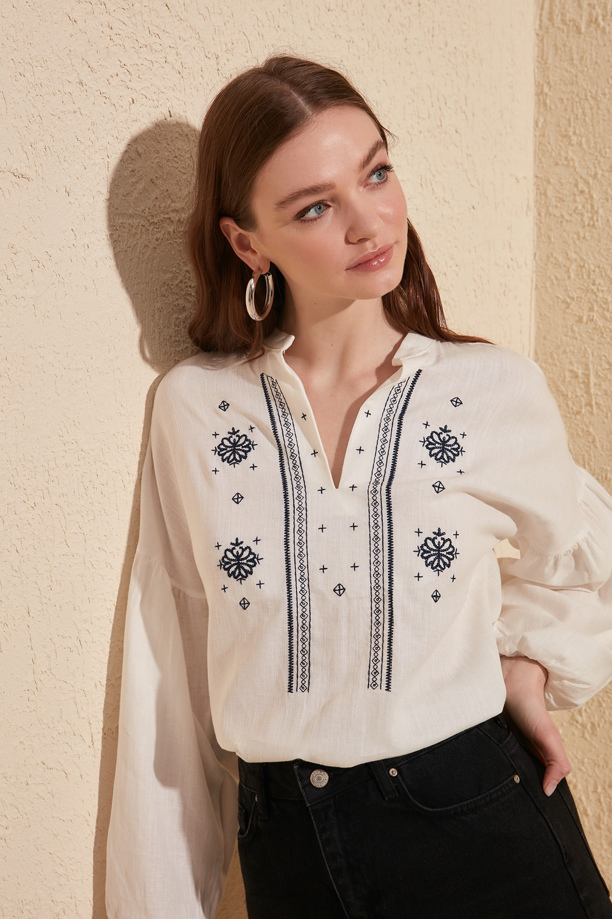 Trendyol Embroideried Blouse TWOSS20BZ0284