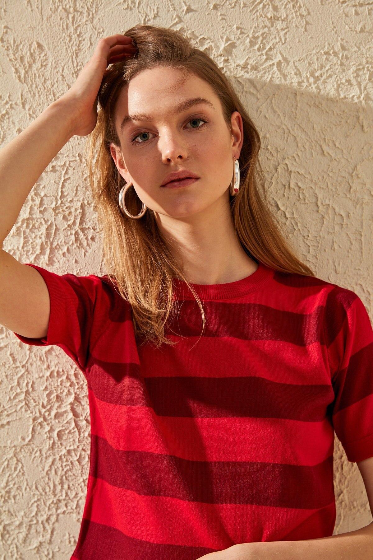 Trendyol Short-Sleeve Stripe Knitwear Sweater TWOSS20KZ0017