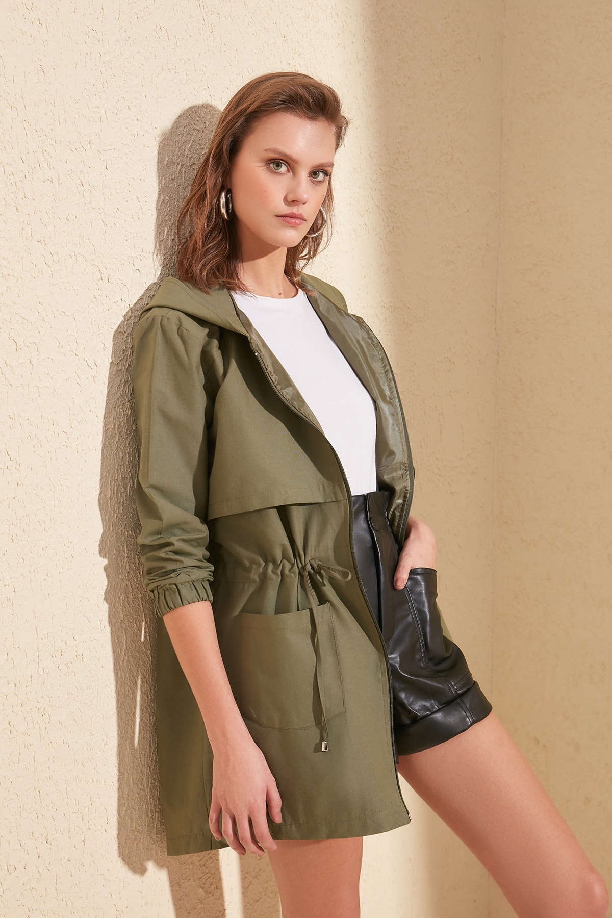 Trendyol Hooded Articulated Shirred   Trench   TWOSS20TR0002