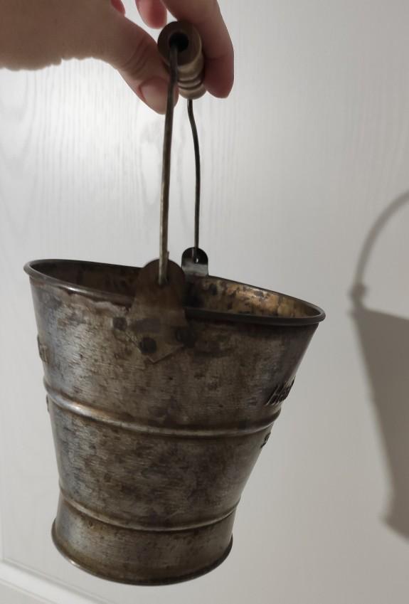 Retro English Wrought Iron Decorative Bucket photo review