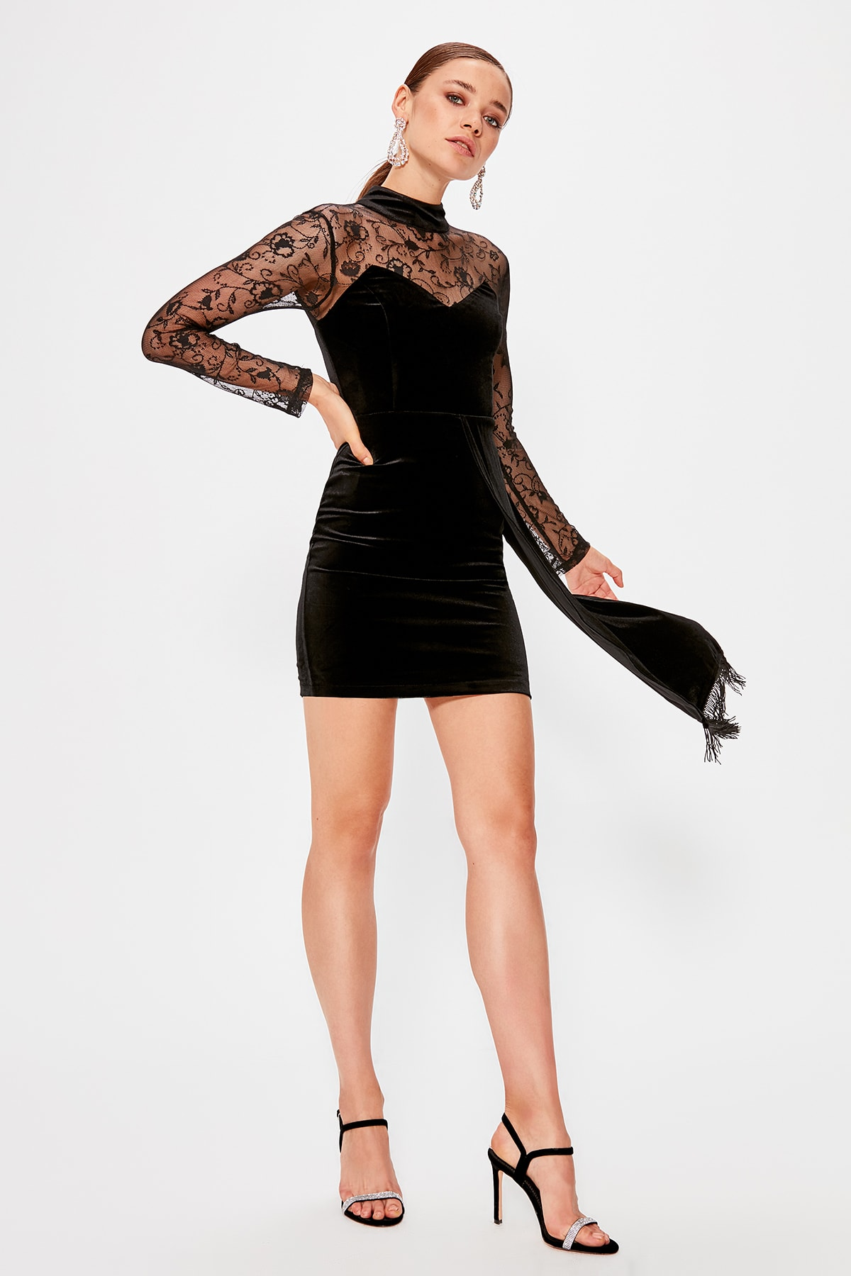 Trendyol Lace Detail Velvet Dress TPRAW20EL0619