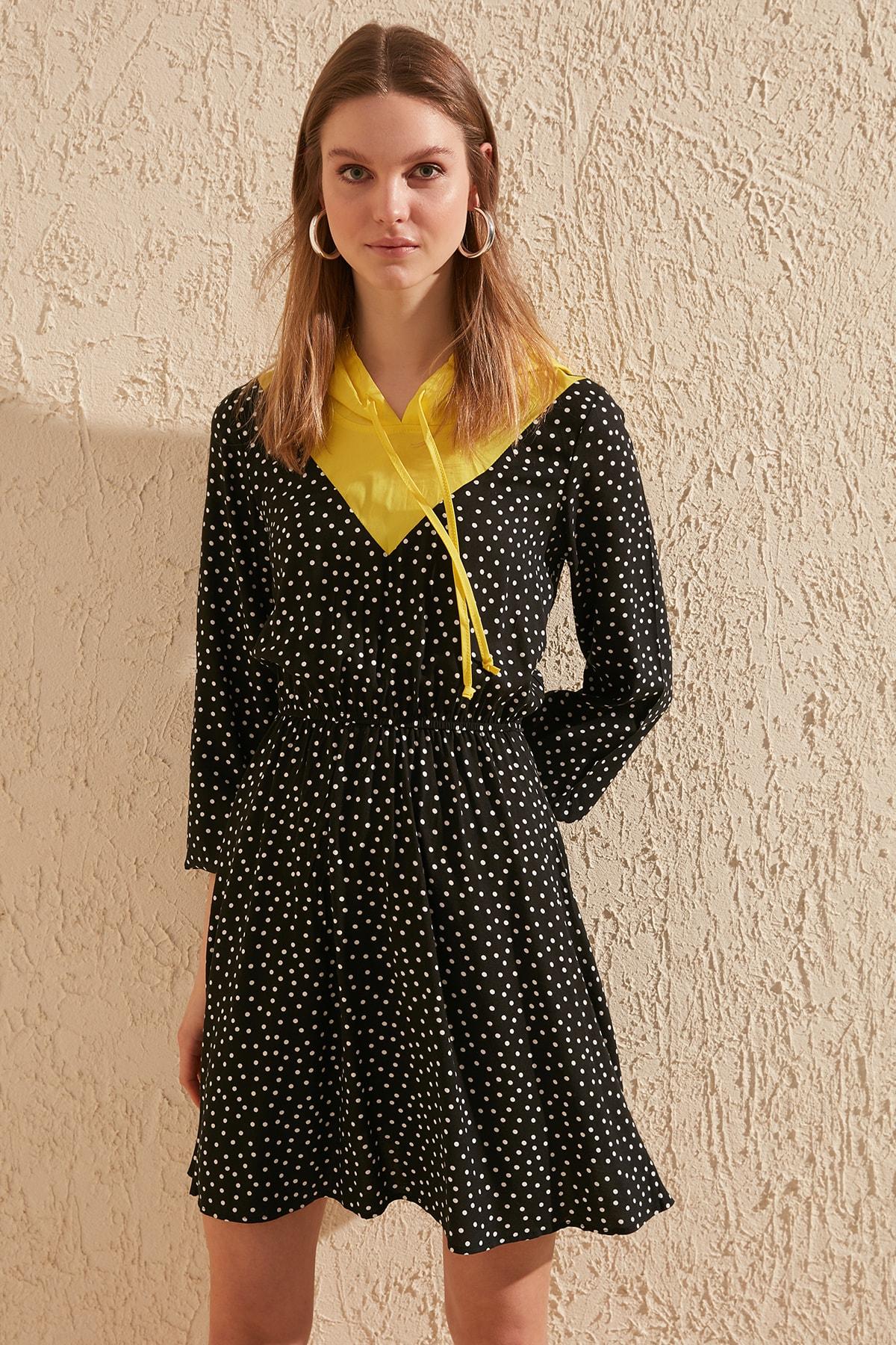 Trendyol Hooded Polka Dot Dress TWOSS20EL1259