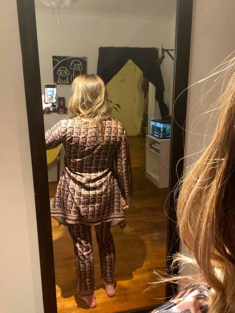 Отзывы о Толстовка Женская, с буквенным принтом, кофейно-коричневая футболка с длинным рукавом и круглой шеей, с неровными прямыми краями, 2019