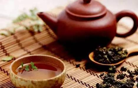 饮茶健康养生还能益寿延年,可医师提示:这3种茶,一口都不必多碰