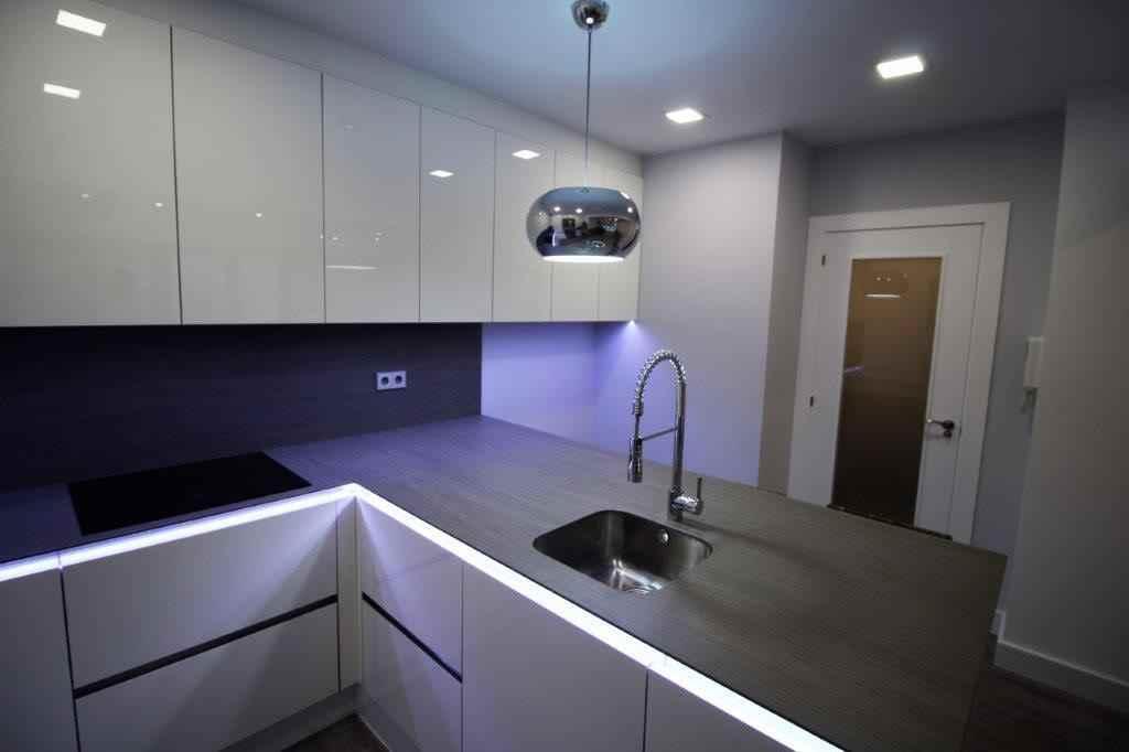 Светодиодный светильник SMD 2835 · гибкий светодиодный светильник водонепроницаемый IP67 с 120 светодиодный s · LM. + Скобы + вилка