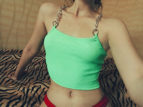 Cropped Tank Top with Metal Chain Straps Egirl photo review