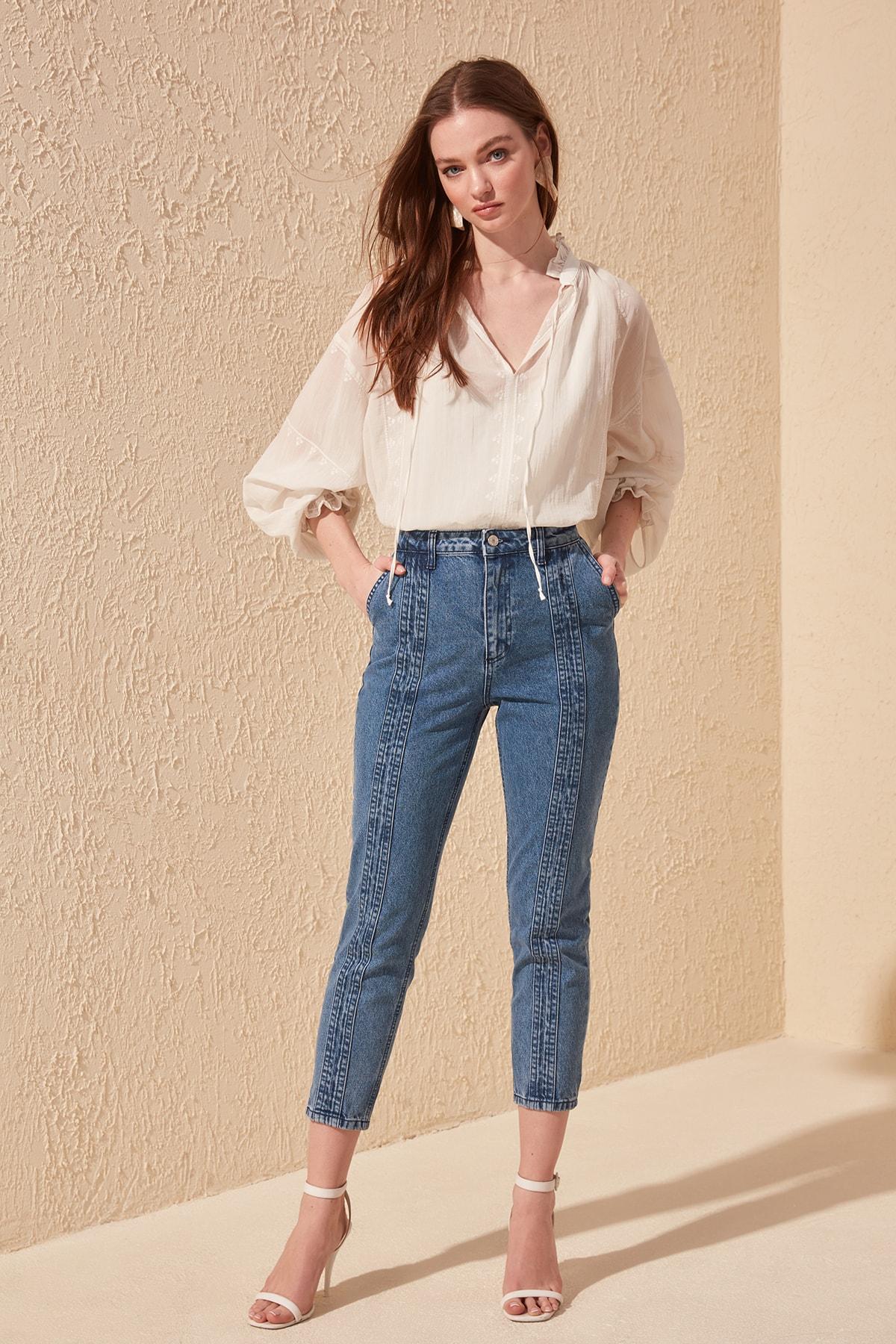 Trendyol Stitch Detail High Bel Mom Jeans TWOSS20JE0155