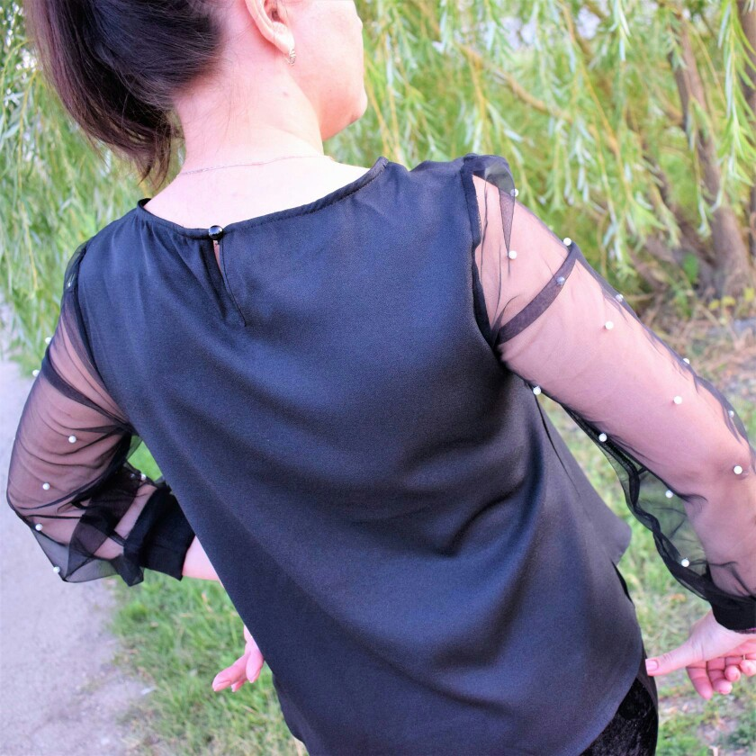 Modern Lady Black Pearl Beaded Mesh Sleeve Round Neck Plain Top Women Streetwear Autumn Minimalist Elegant Blouse photo review