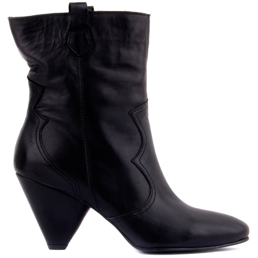 Sail-Lakers Black Leather Zipperless Women Boots