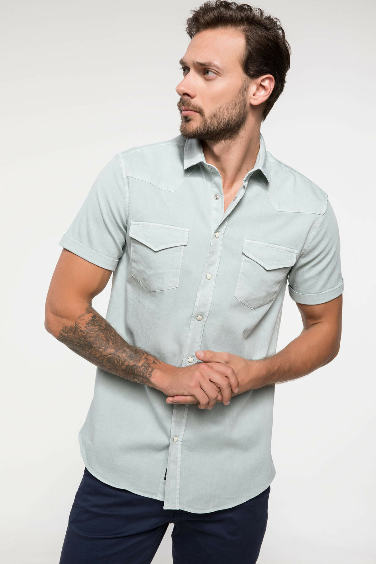 DeFacto Men Solid Pocket Shirts Short Sleeve Simple Shirts Men Casual Lapel Collar Cotton Shirt - I9636AZ18SM