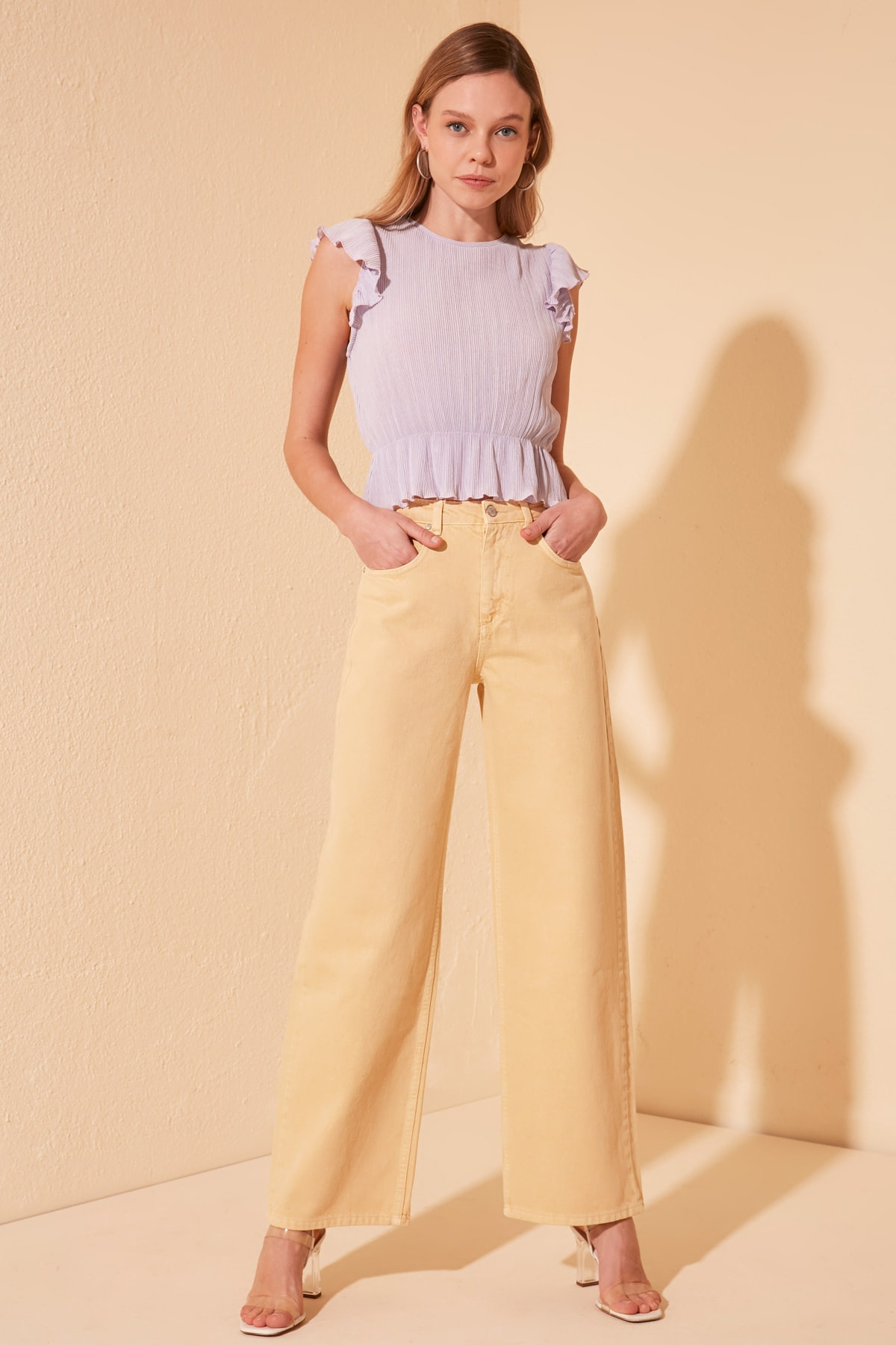 Trendyol-Flushing High Bel Wide Leg Jeans TWOSS20JE0402