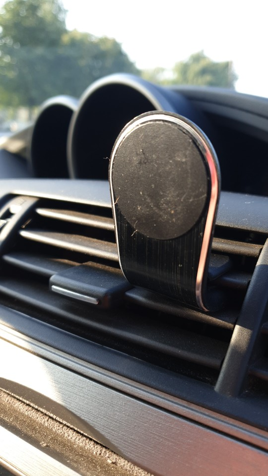 Magnetic Car Phone Holder photo review