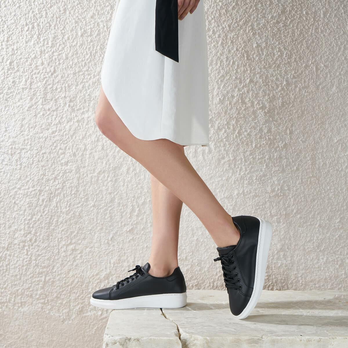 FLO DİNO Black Women 'S Sneaker Shoes BUTIGO