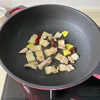 白菜五花肉炖粉条的做法图解3